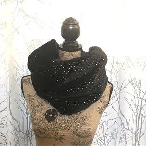 LuLu black faux fur infinity scarf